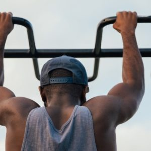 Five Benefits of Pull-Ups To Help You Carry Your Backpack